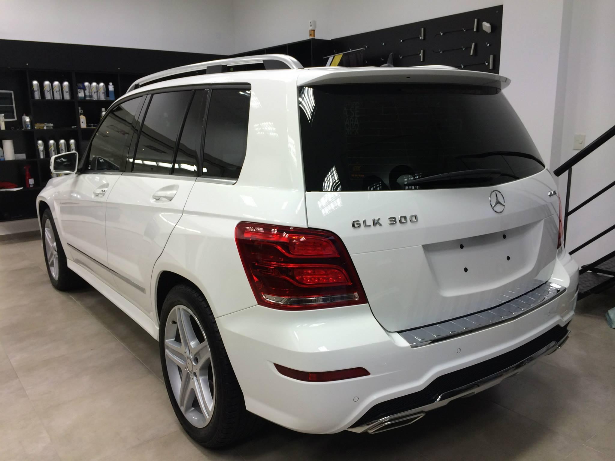 Mercedes benz glk 300 shinycars san isidro for Mercedes benz bentonville ar